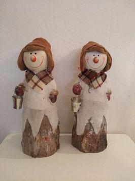 Leuk aardewerk beeld van een sneeuwman, afmeting 28 x 10 cm, prijs per stuk.