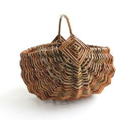 リトアニア製 皮付き柳のかご ラウンド 《M》