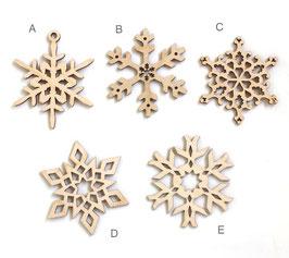 リトアニア製 木製オーナメント《雪の結晶》