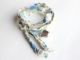Lola Coquelicot(ローラ・コクリコ) リバティプリント ダブル・ブレスレット シルバーチャーム付き《ブルー系》