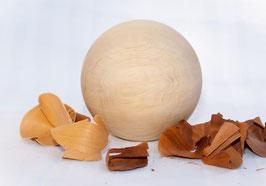 Kugel aus Zirbenholz