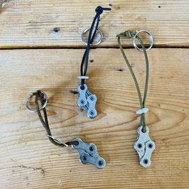 Sleutelhanger met 4 zilveren fietsketting schakels