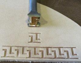 Matoir de bordure à méandres carrés