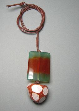 Charm-Kette Achatgeode mit Fensterschliff / Achatscheibe gebändert / Lederband braun