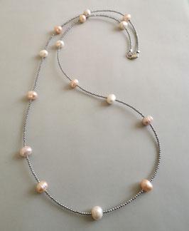 """Feine Kette """"Double or Single"""" aus Perlen in Weiß, Rosé und Apricot mit silbernem Hämatit facettiert - ca. 90 cm lang"""