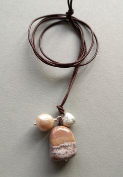 Charm-Kette Jaspis gebändert / Barockperle naturfarben / Herz aus 925er Sterlingsilber / Lederband  braun