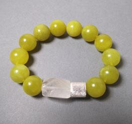 Armband  Olivenjade gelbgrün 14 mm / Bergkristall / Silberwalze