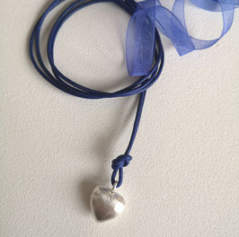 """Charm-Kette """"Mit Herz"""" / Herz  Silber mit Lederband royalblau"""