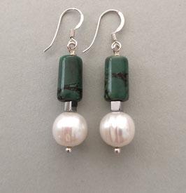 Ohrringe Perle weiß / Walze aus Howlith / 925er Silber