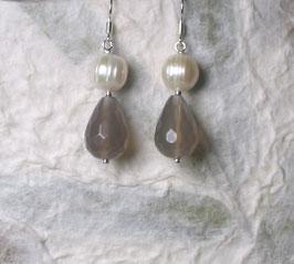 Ohrringe Achat taupe/grau facettiert / Süßwasserperle weiß / 925er Silber