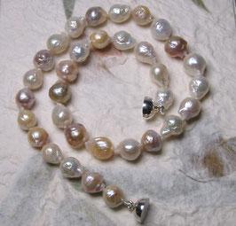 "Perlenkette ""Sakura"" - japanische Kirschblüte - Kasumiperlen verlaufend mit 925er Magnetverschluss – ca. 44,5 cm lang"