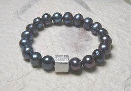 Perlenarmband blau ca. 10-11 mm / Silberwürfel