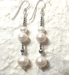 Ohrringe Perlen in weiß mit Hämatit silber / 925er Silber