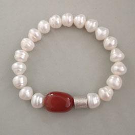 Perlenarmband weiß ca. 9-10 mm mit Carneol und Silberwalze