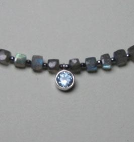 "Kette ""Magic Blue"" - Labradorit mit blauem Topas in 925er Silber gefasst - ca. 44 cm lang"