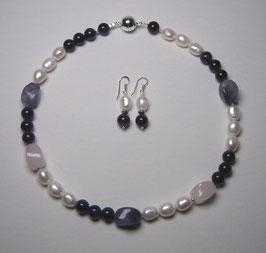 """Kette """"Purple Rose"""" - weiße Süßwasserperlen, Amethyst, Rosenquarz und 925er Magnetverschluss - Länge ca. 45 cm."""