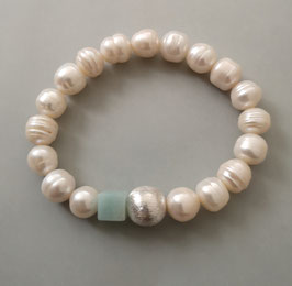 Perlenarmband weiß ca. 9,5-10 mm / Würfel aus Amazonit türkisfarben / Silberkugel
