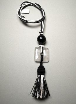 """Quastenkette """"Black & White"""" - Kette aus Bergkristall und Onyx mit Quaste in schwarzweiß und passenden Lederbändern in weiß und schwarz"""