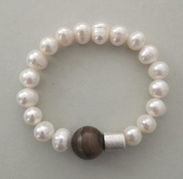 Perlenarmband weiß ca. 10-12 mm mit braunem Achat und Silberwalze