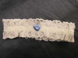 Strumpfband ivoryfarbene Spitze mit hellblauem Herz von Fischer