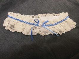 Strumpfband Spitze in Ivory mit hellblauem Satinband von Fischer