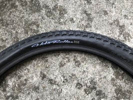 maxxis holly roller  26x2.4 neuf