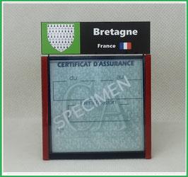 ( R03 )   Un Porte certificat d'assurance ou CT. Région Bretagne  (fond noir ou transparent)