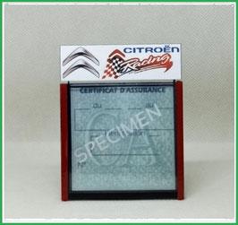 ( DM020 )   Un Porte certificat d'assurance ou CT auto avec dessin Citroën racing   (fond noir ou transparent)