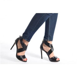 GUESS Azali Leather Sandals Sandali in Pelle Neri Tacco a Spillo 11 cm
