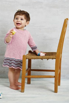 Babyklänning med ränder av havskum