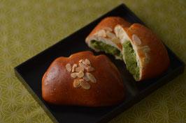 【木2/28】抹茶クリームパン