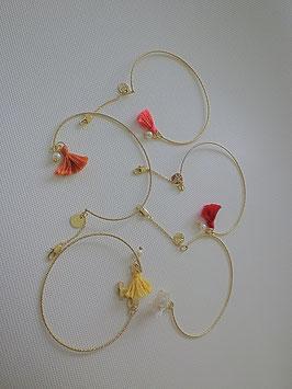 Bracelet jonc doré strié pompon de couleur