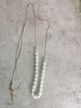 Sautoir chaine dorée perles blanches et transparentes