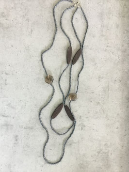 Sautoir perle grise