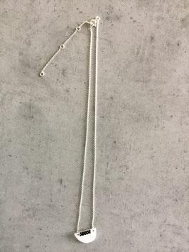 Collier argent 925 pendentif demi cercle avec perle noire