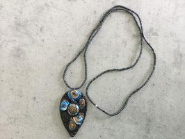 Sautoir perle avec pendentif noir turquoise marron