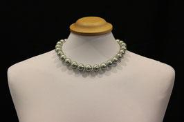 Perlenkette grau