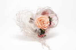 Rose im Drahtherz