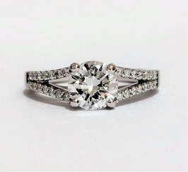 Solitaire accompagné or blanc diamant 0,98ct