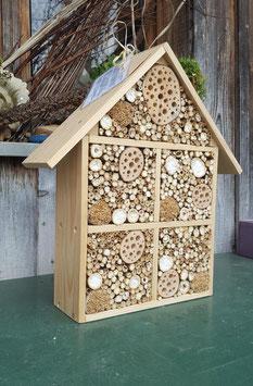 Wildbienenhotel - Huma-Haus