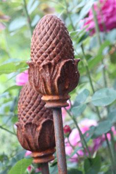 Pinienzapfen Gartenstab