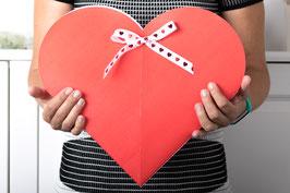 Herz Geschenkbox rot groß, 2 Stück - 24x5x36 cm