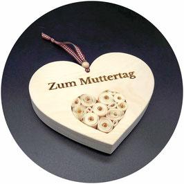 Holz Herz Geschenk zum Muttertag, gefüllt mit Zirbenrosen! 15x13cm