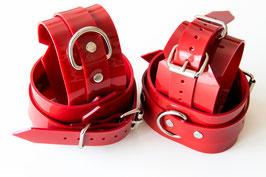 Set Hand und Fußfesseln aus rotem PVC