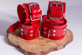 XXL Hand und Fußfesseln aus rotem PVC
