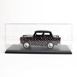 Schaubox mit Trabant Black Dotty