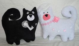Свадебные коты-подушки