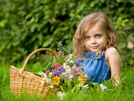 Девочка с букетом (Д-1)