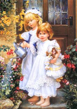 Девочки с лейкой и куклой (Д-19)