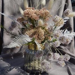 Sommerlicher Trockenblumenstrauß